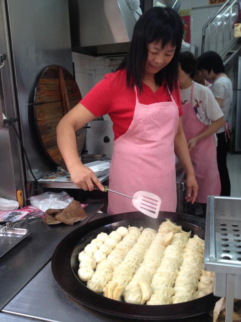 lady_cooking_dumplings