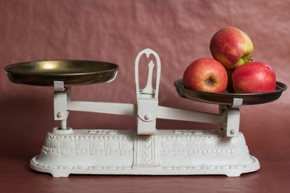 weight scales with apple
