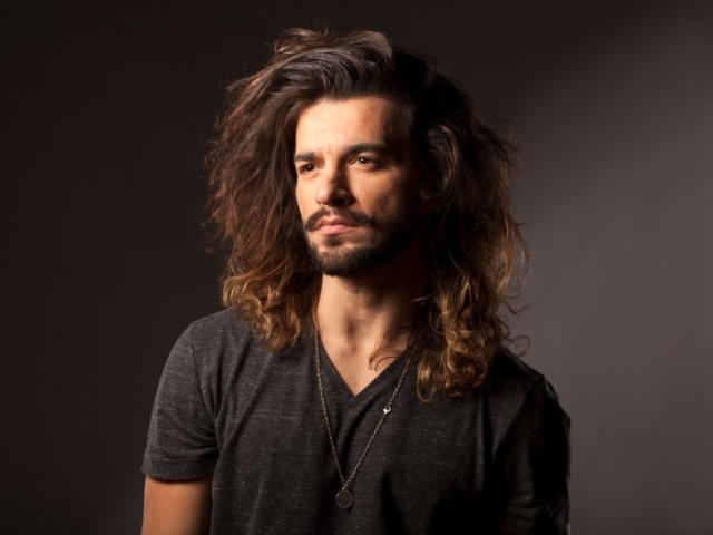 Longer Hair Styles For Men: Tips For Men Growing Long Hair