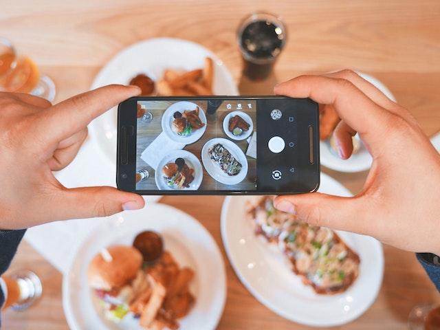 food photo selfie